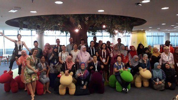 Photographie d'un groupe de bibliothécaires au congrès de l'IFLA