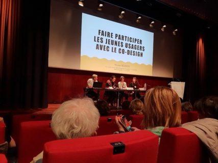 photographie de la scène de l'auditorum de la Bnf avec les intervenants