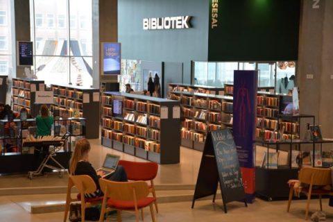 Photographie d'une salle de lecture de la Dokk1 à Aarhus
