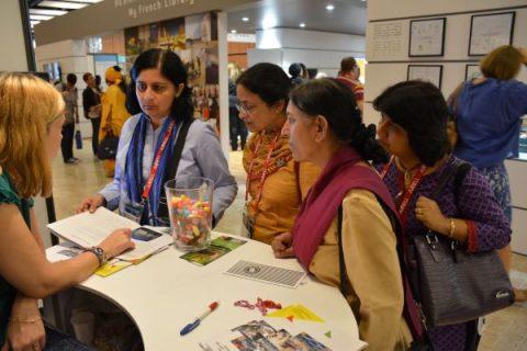 Photographie de l'accueil du stand Bpi au congrès de l'IFLA en 2014