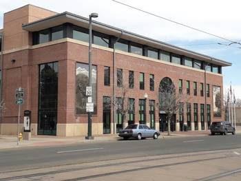 Photographie du bâtiment de la bibliothèque de Denver